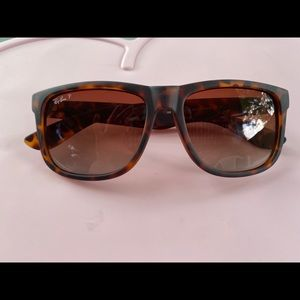 Ray-ban Justin classic in matte tortoise. No case.